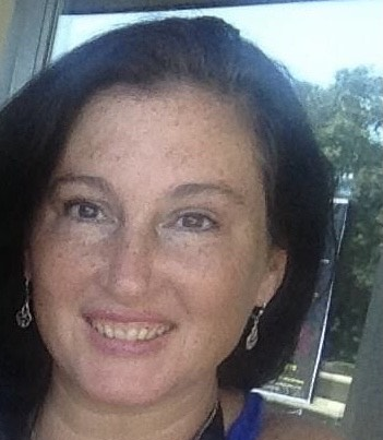 UConn Online Dementia Care Graduate Certificate Program Speaker: Lauren McKeown